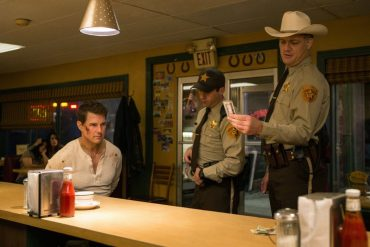 JACK REACHER: NEVER GO BACK: Tom Cruise Doesn't Reach Far Enough