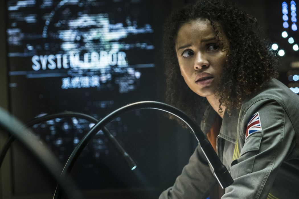 THE CLOVERFIELD PARADOX: Inventive Marketing Doesn't Help This Generic Space Thriller